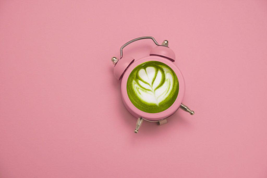 A reggeli kávé helyett ébredj Lucky Matcha lattéval!
